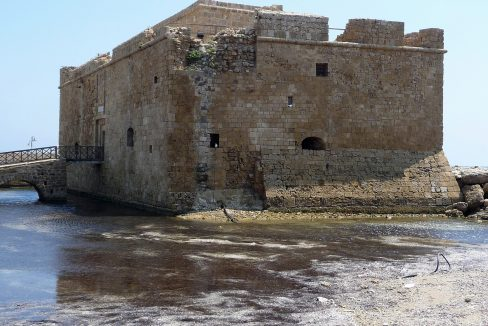 fortress-on-the-seaside-in-paphos-cyprus